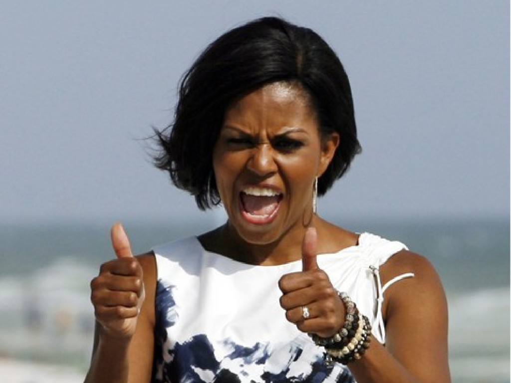 michelle-obama-thumbs-up-1a