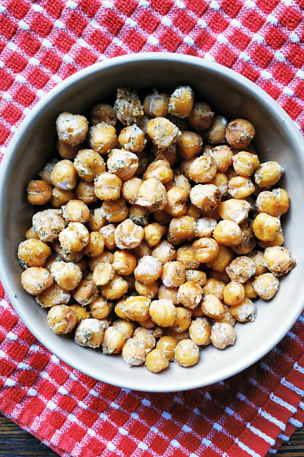 roasted-ranch-chickpeas-1