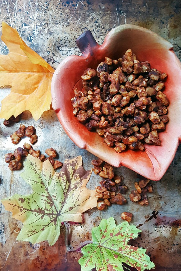 pumpkin-spice-toasted-walnuts-1