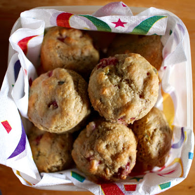 strawberry-and-passionfruit-muffins-2